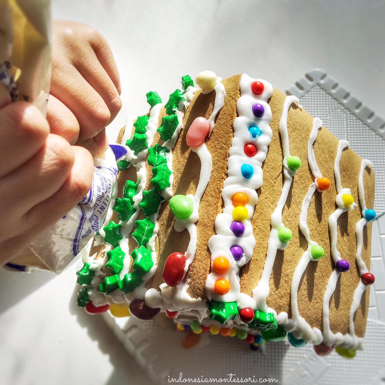 gingerbread house kit natal kegiatan