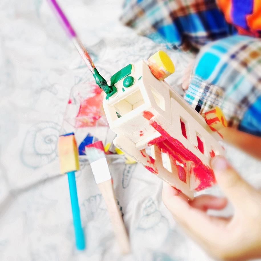 melukis bebas kegiatan pendidikan seni anak usia 2 tahun sekolah rumah