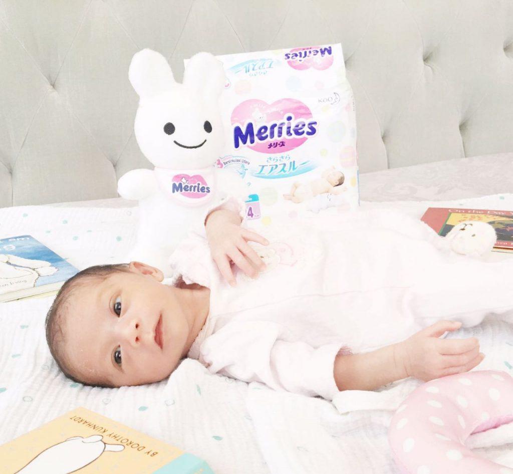 tips stimulasi bayi 1 bulan