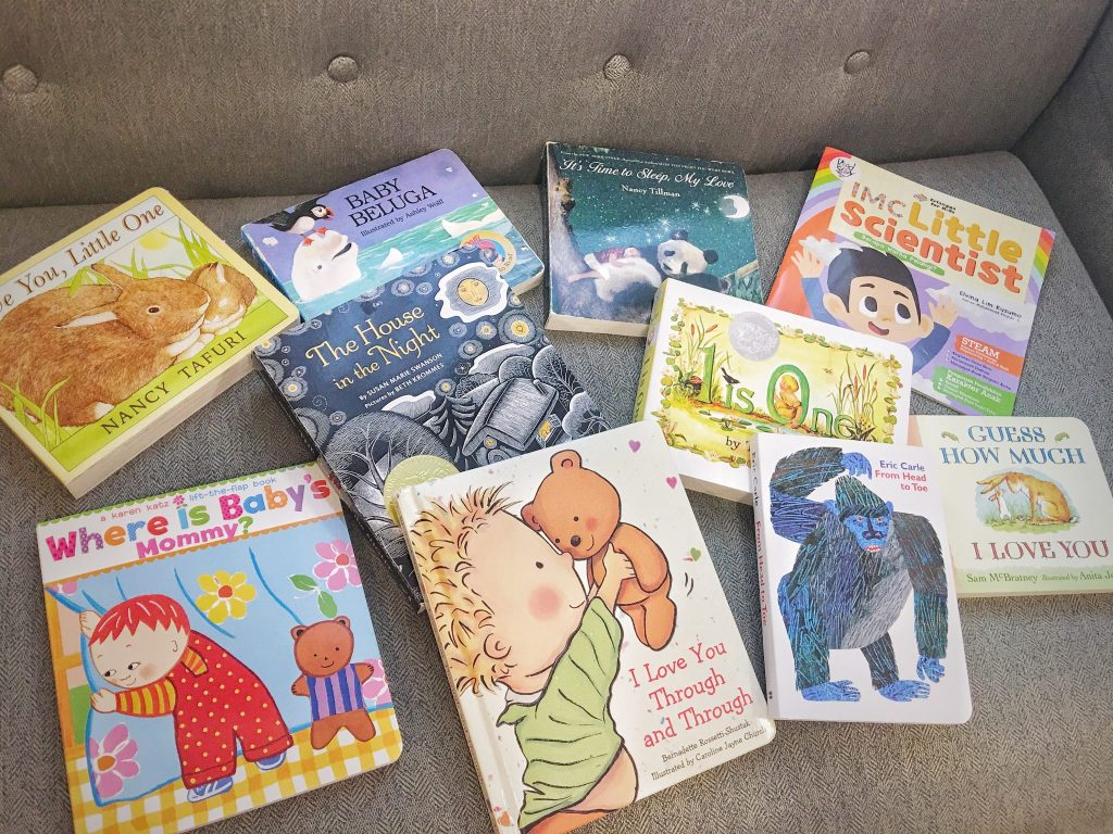 tips memilih buku untuk bayi