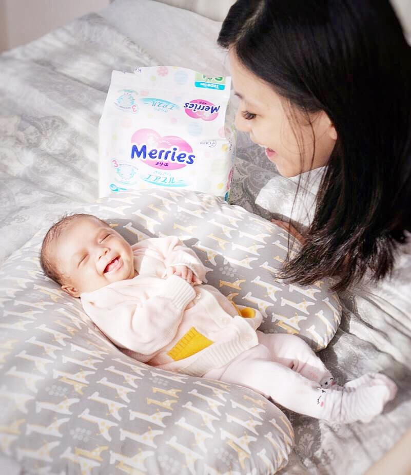 stimulasi bayi montessori di rumah